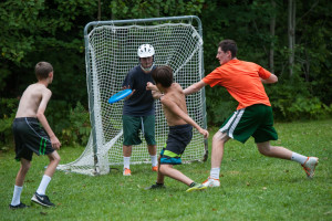 frisbee lacrosse game for boys